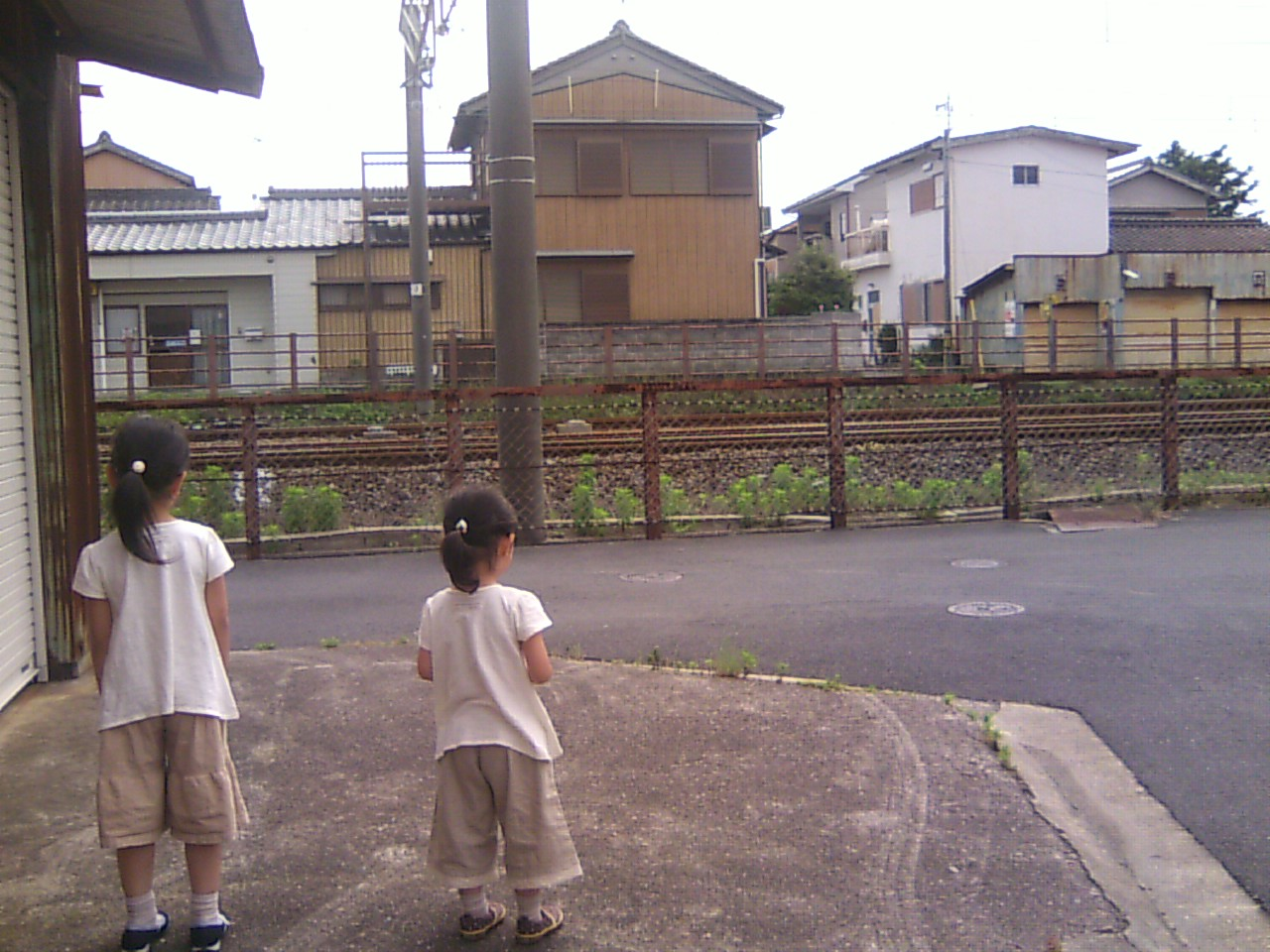 *電車待ち*